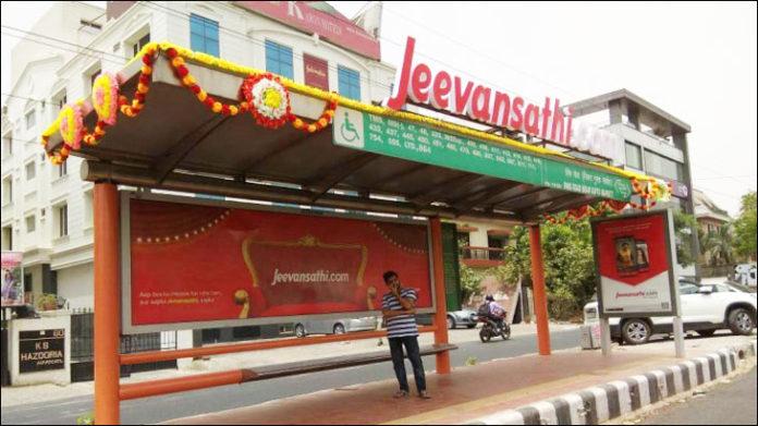 Jeevansathi Turns Bus Shelters Into Mandaps