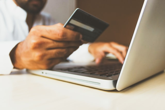 Online Retailers Should Focus On Consumer-First Shopping Experiences